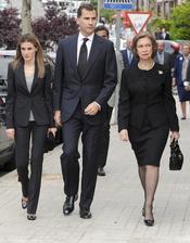 Los Príncipes Felipe y Letizia y la Reina Sofía en el funeral de Fernando Moreno de Borbón