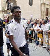 Adebayor llega a Lorca para participar en un acto solidario