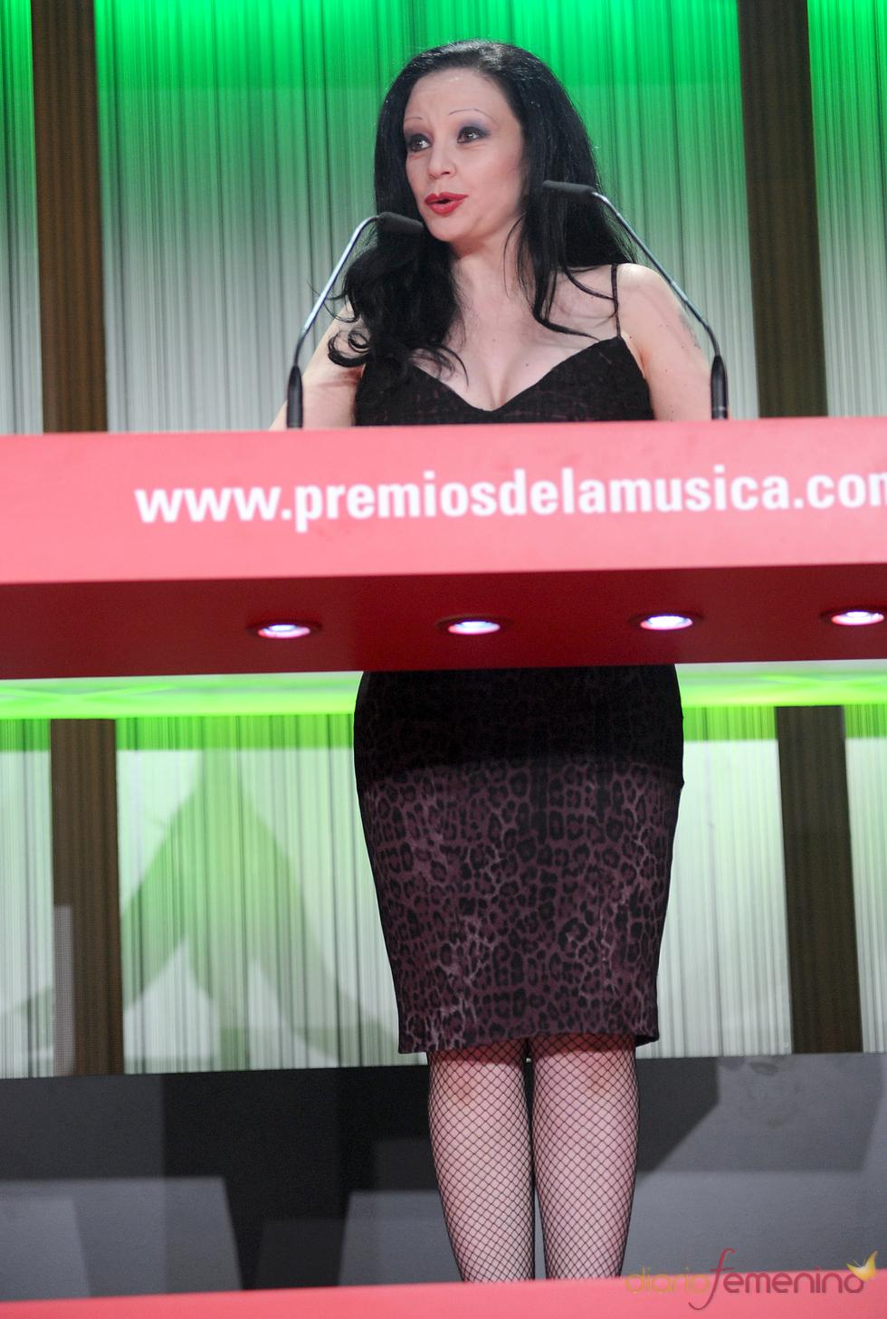 Alaska durante los Premios de la Música 2011