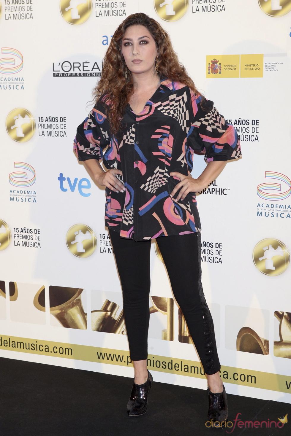 Estrella Morenta posa a su llegada a los Premios de la Música 2011