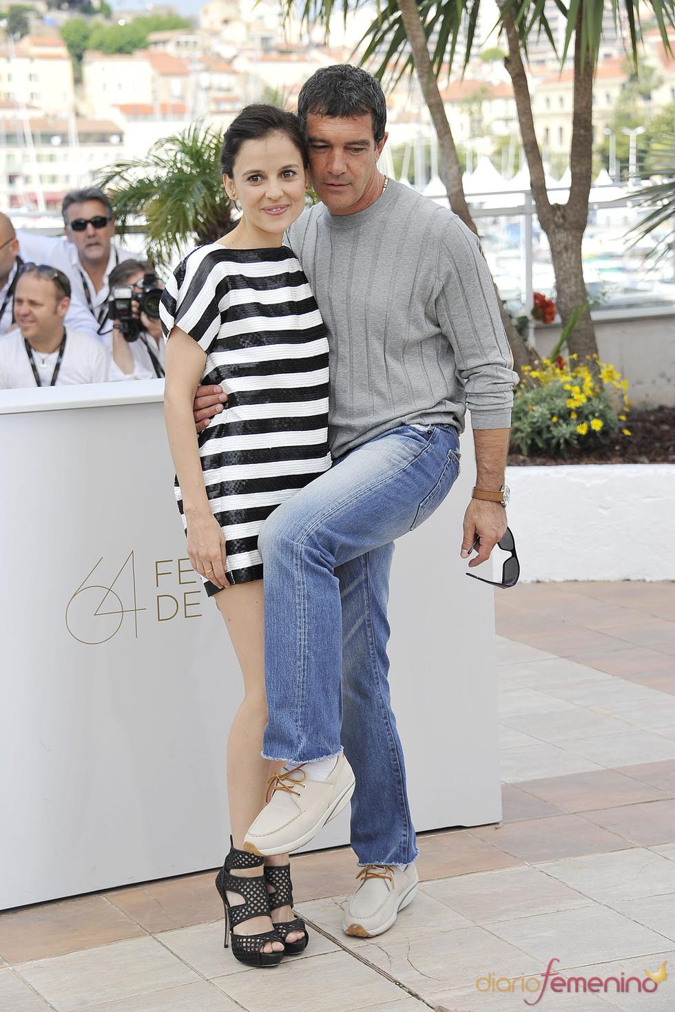 Antonio Banderas y Elena Anaya en la presentación de 'La piel que habito' en Cannes