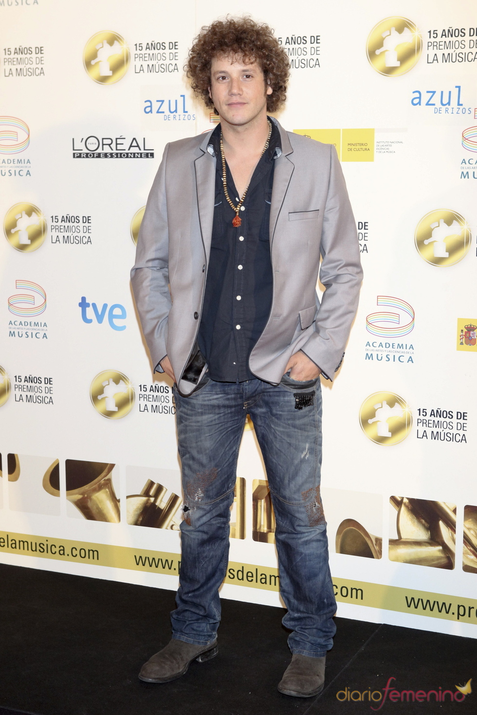Daniel Diges posa a su llegada a los Premios de la Música 2011