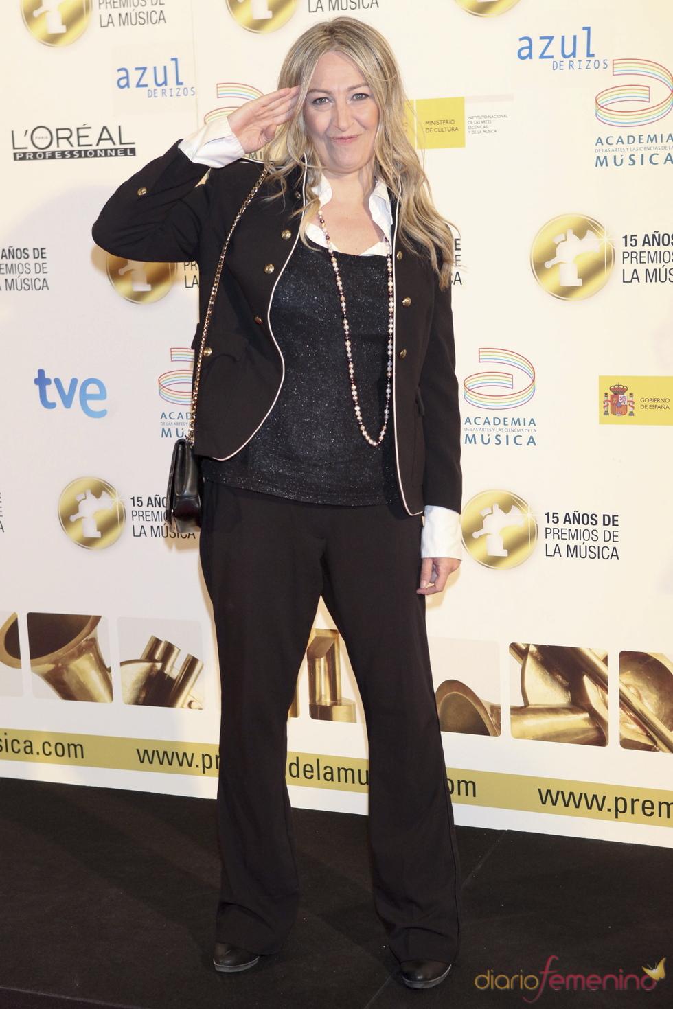 Mercedes Ferrer posa a su llegada a los Premios de la Música 2011