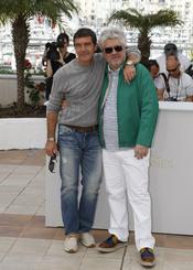 Pedro Almodóvar y Antonio Banderas presentan 'La piel que habito' en Cannes