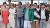 Pedro Almodóvar y el reparto de 'La piel que habito' en Cannes