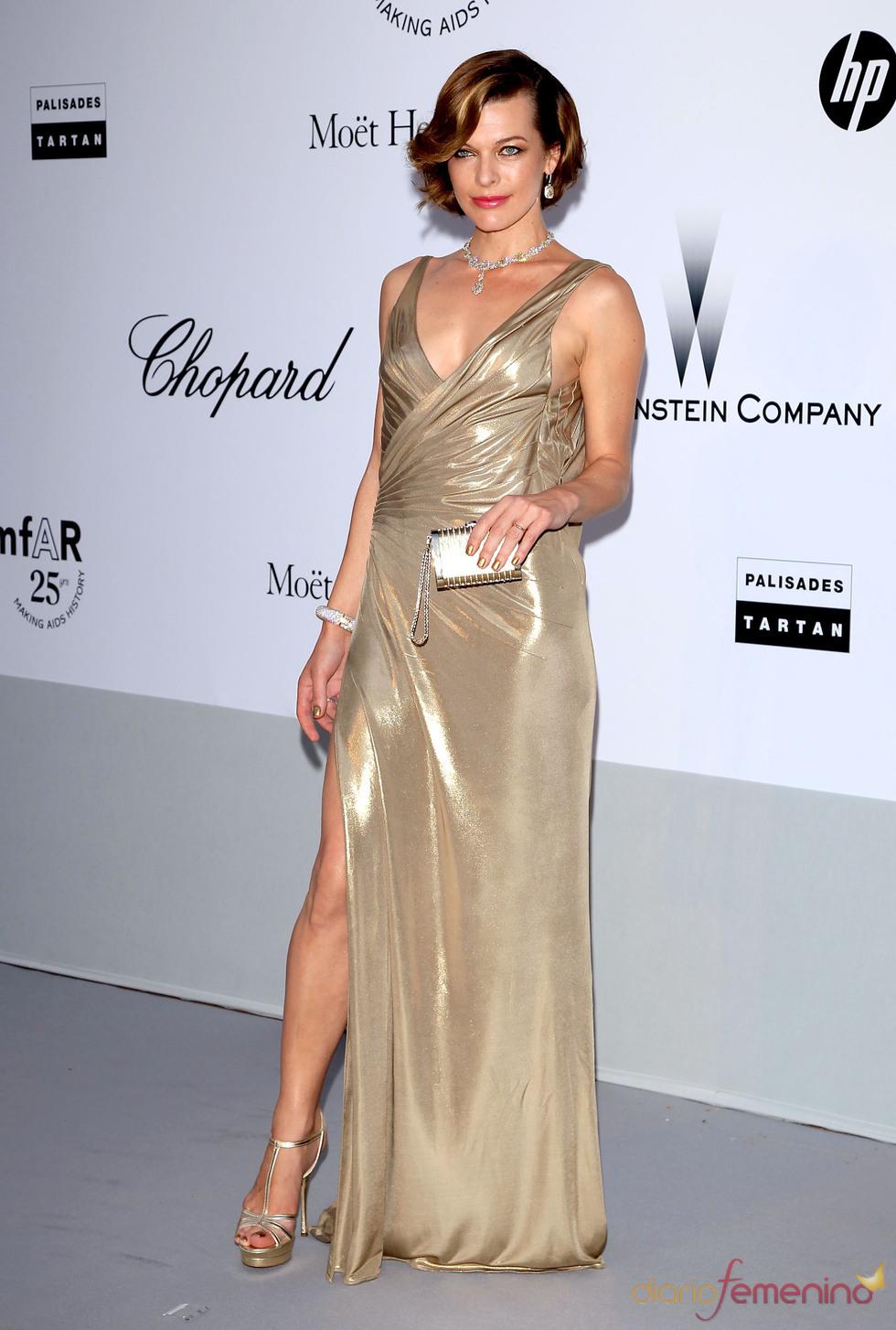 Milla Jovovich en la gala benéfica contra el sida de Cannes 2011