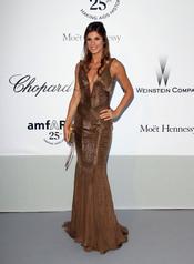 Elisabetta Canalis en la gala contra el sida de Cannes 2011