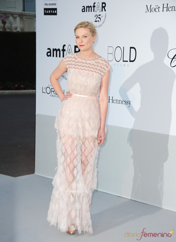 Kirsten Dunst en la gala benéfica contra el sida de Cannes 2011