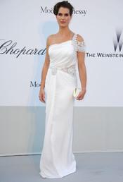 Brooke Shields en la gala benéfica contra el sida de Cannes 2011