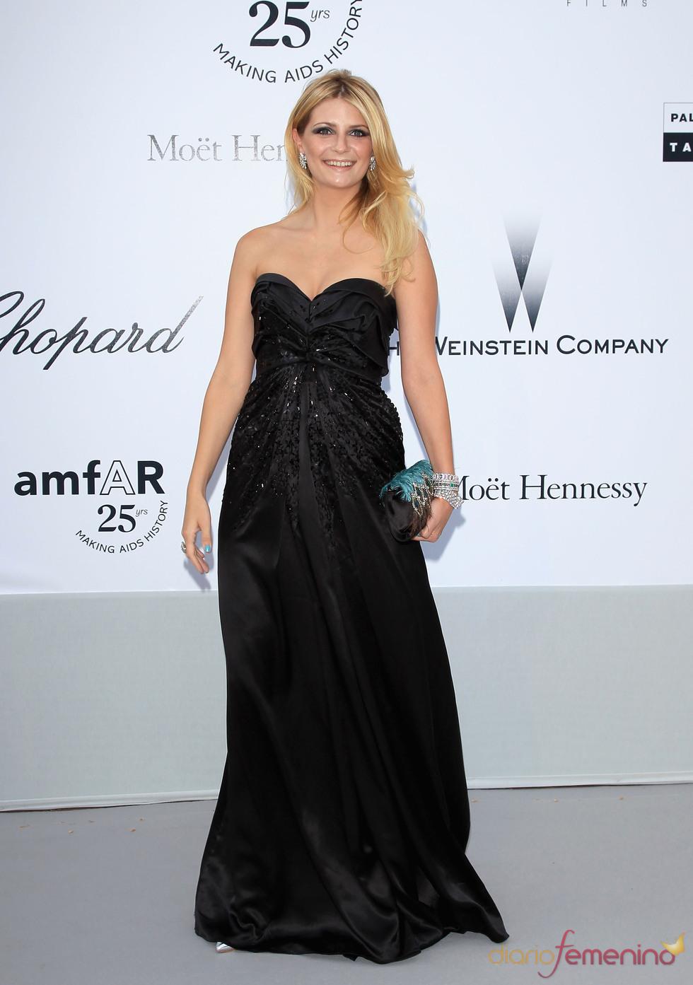 Mischa Barton en la gala benéfica contra el sida de Cannes 2011