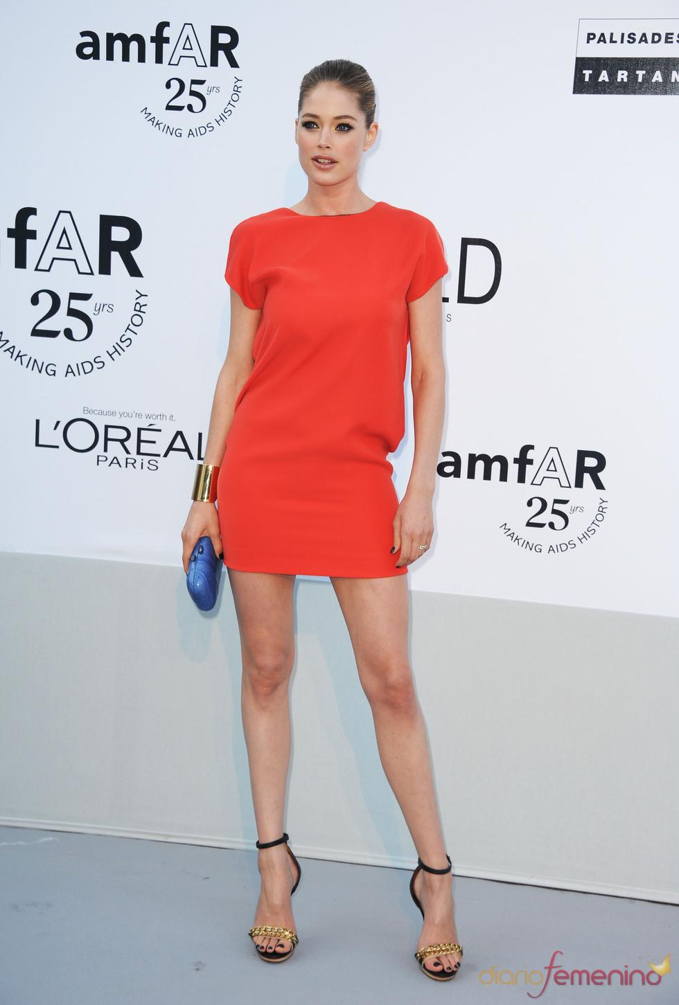 Doutzen Kroes en la gala benéfica contra el sida de Cannes 2011