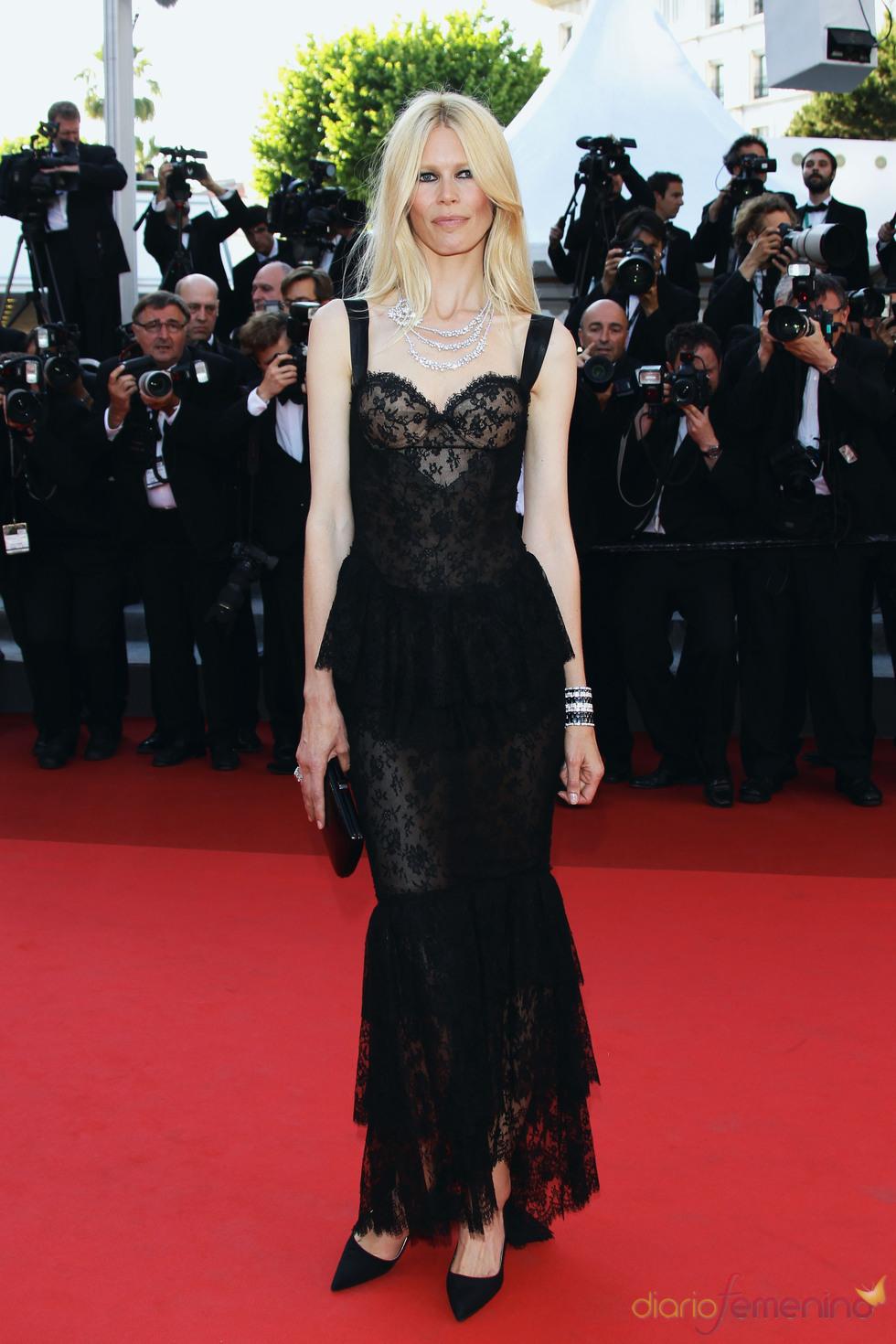 Claudia Schiffer en la premier de 'This must be the place' en Cannes 2011