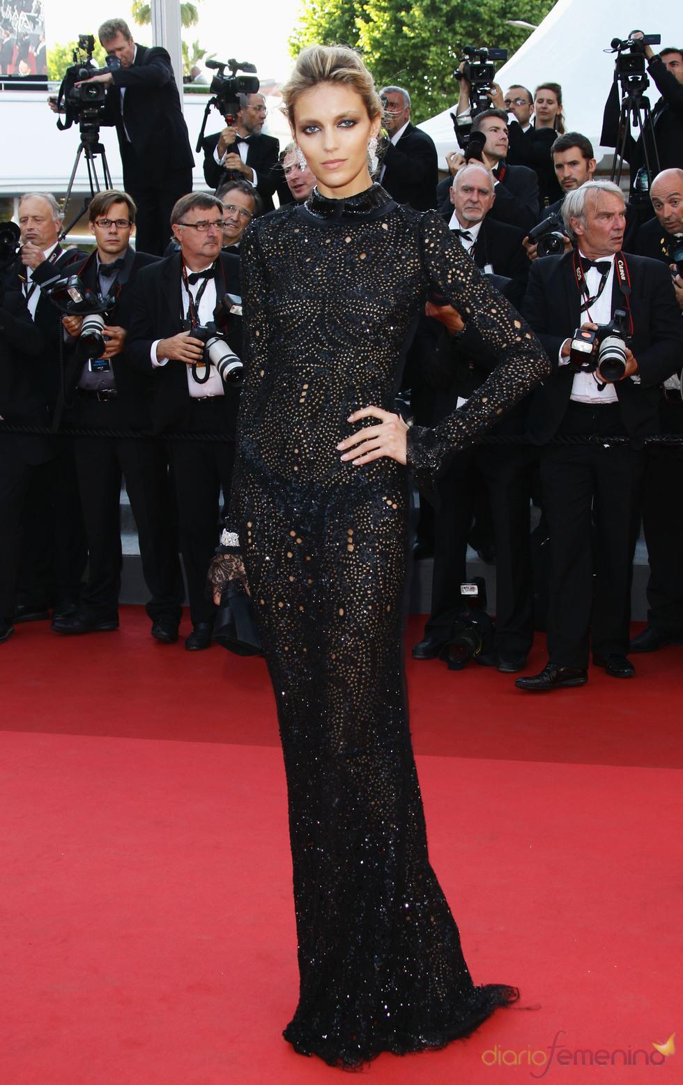 Anja Rubik en la premier de 'This must be the place' en Cannes 2011