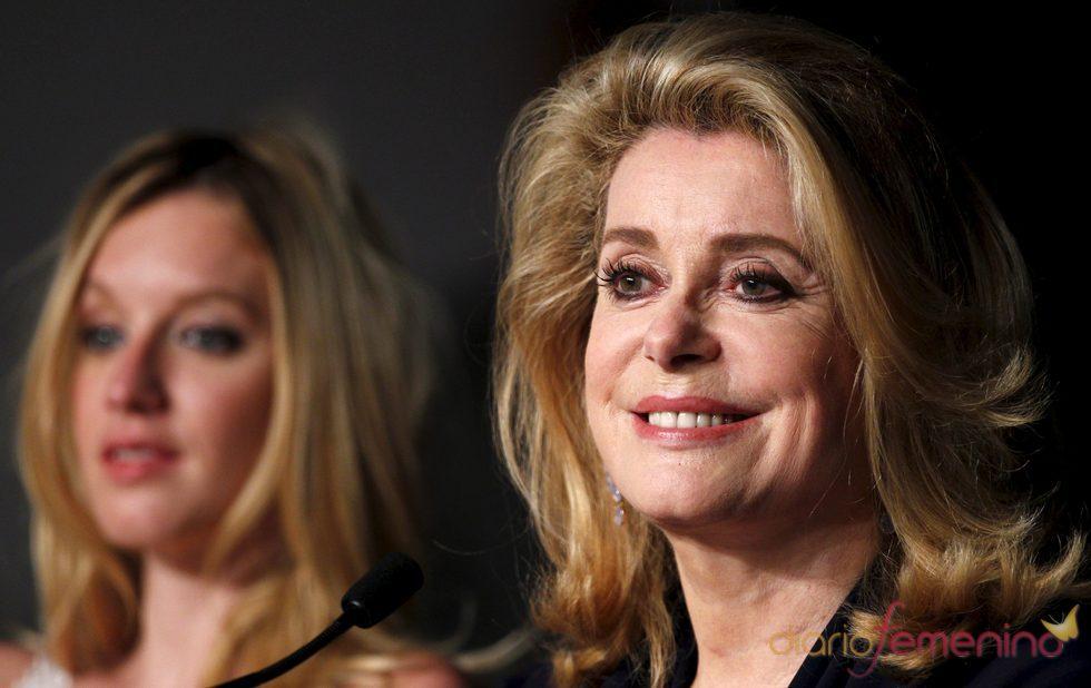 Catherine Deneuve en la presentación de 'Les bien-aimés' de Cannes 2011