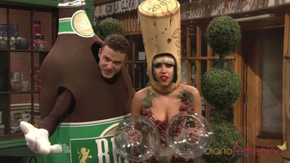 Justin Timberlake y Lady Gaga, botella y corcho en SNL