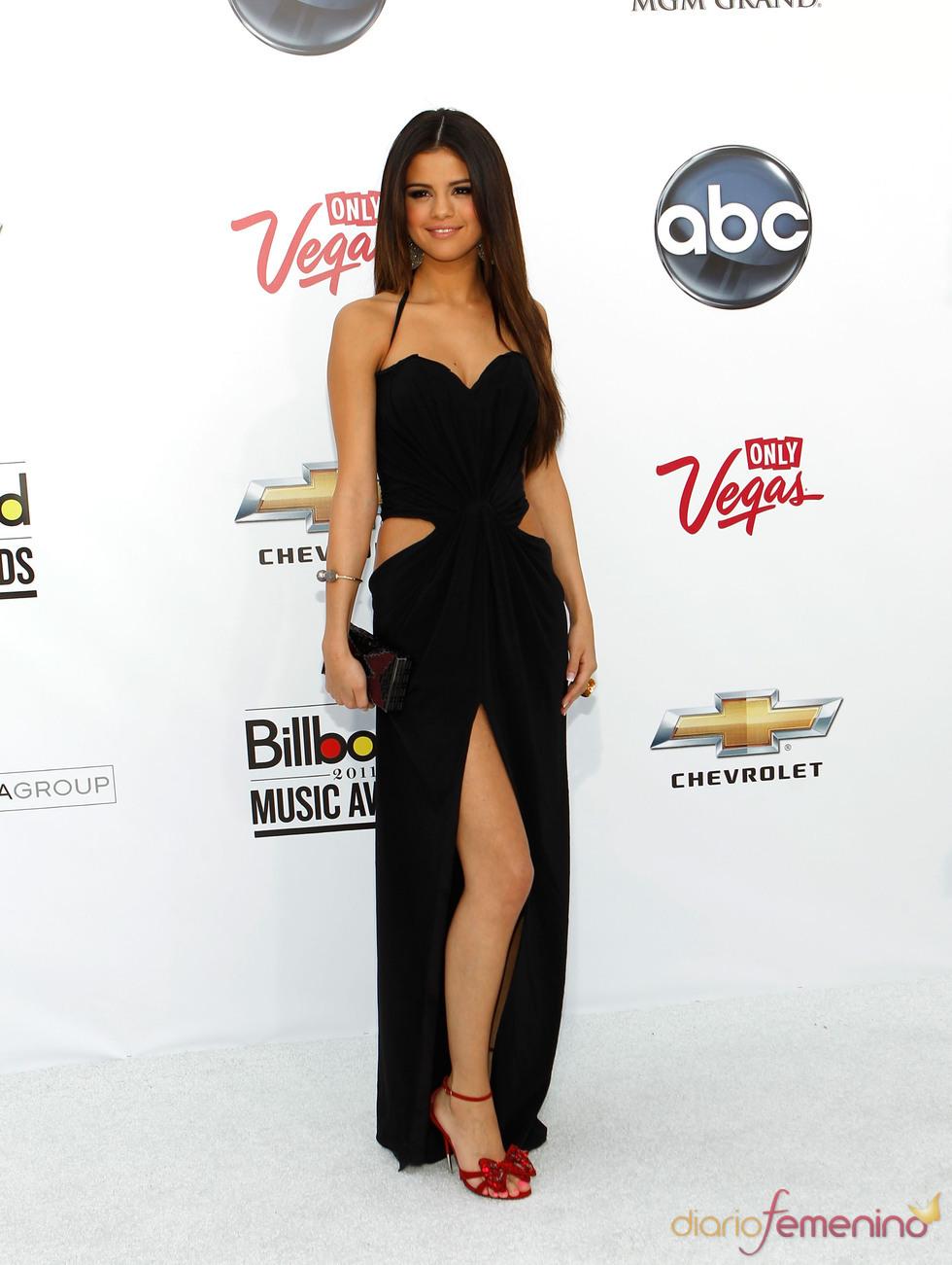 Selena Gomez en la alfombra de los Billboard Music Awards 2011