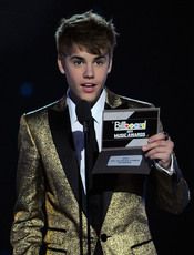 Justin Bieber presenta un Billboard Music Awards 2011