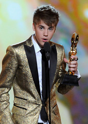Justin Bieber recoge su Billboard Music Awards 2011