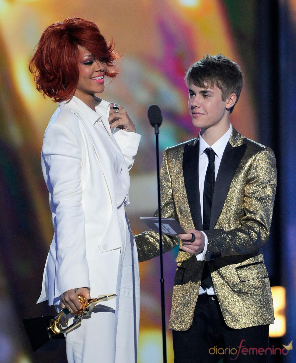 Rihanna y Justin Bieber en los Billboard Music Awards 2011