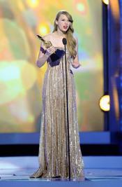 Taylor Swift recoge los Billboard Music Awards 2011