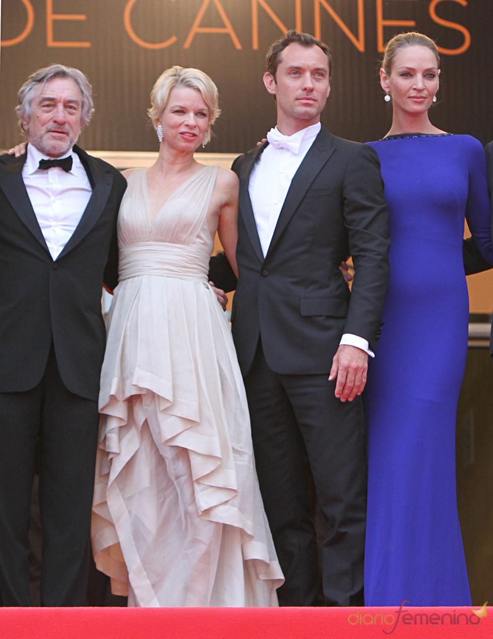 Robert de Niro, Jude Law y Uma Thurman en la ceremonia de Clausura de Cannes 2011
