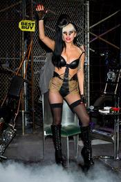 Lady Gaga vende 'Born this way' en Nueva York