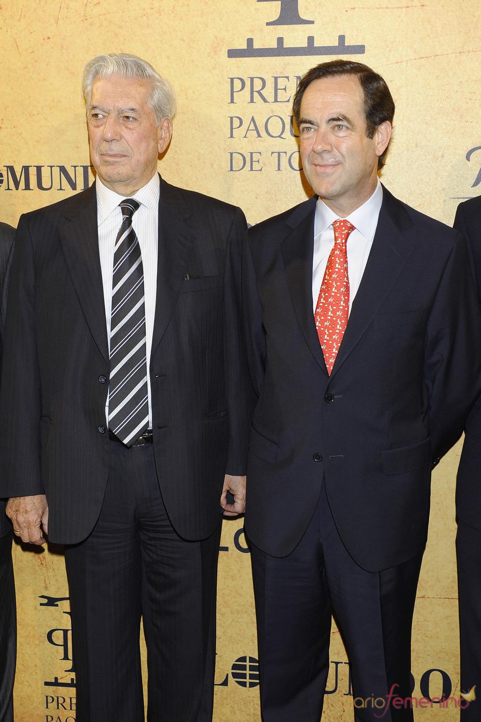 José Bono y Mario Vargas Llosa en los Premios Paquiro 2011