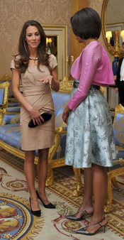 Kate Middleton charla con Michelle Obama