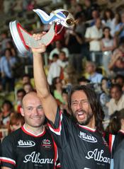 Bob Sinclair juega un partido de fútbol solidario en Mónaco