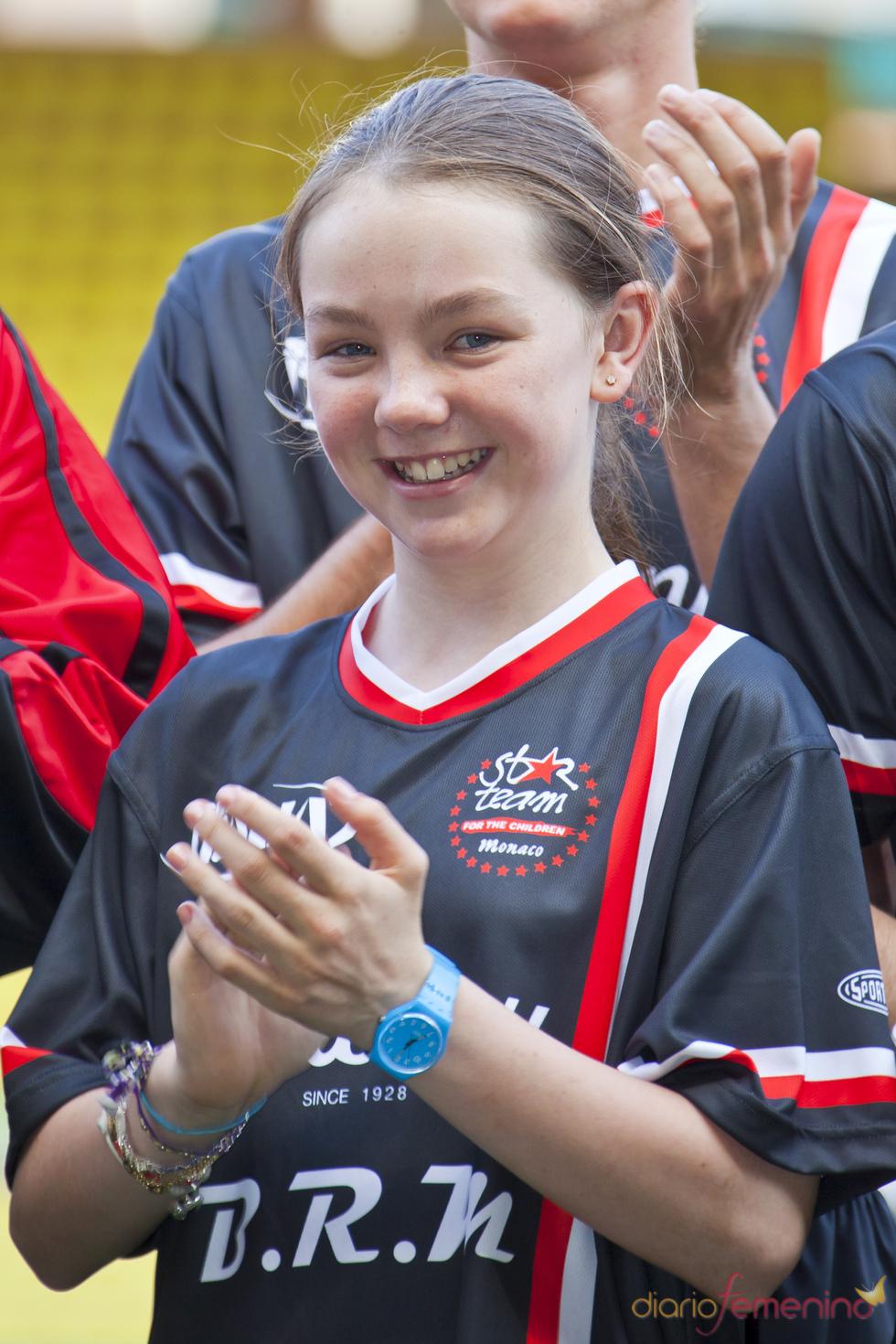 La princesa Alexandra de Hannover juega un partido de fútbol solidario en Mónaco