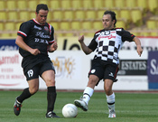 Felipe Massa juega un partido de fútbol solidario en Mónaco