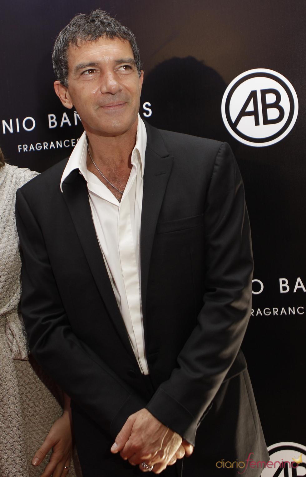 Antonio Banderas subasta seis fotografías con fines benéficos