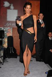 Halle berry, elegida celebridad del 2011 en los Premios Fifi