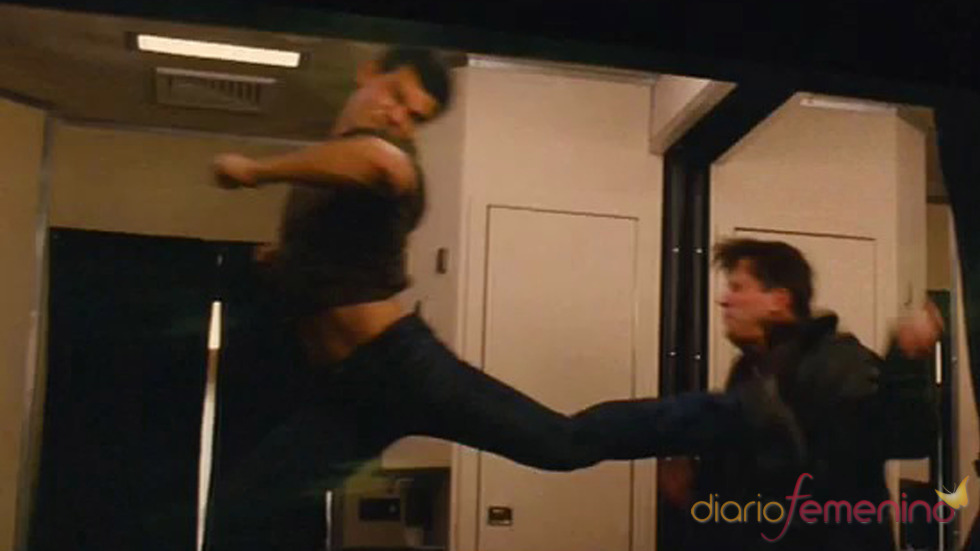 Taylor Lautner da una patada a su enemigo en 'Abduction'