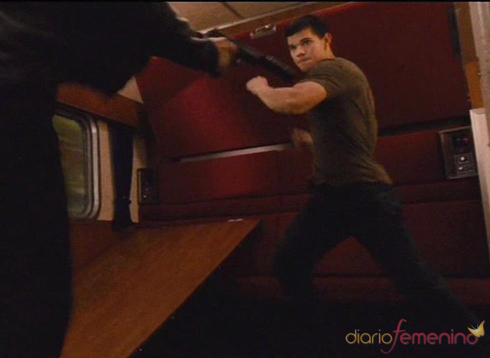 Taylor Lautner demuestra su destreza en 'Abduction'