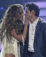 Jennifer López y Marc Anthony cantan en la final de 'American Idol'