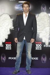 Rafael Amaya durante los Premios FHM 'Las mujeres más sexys 2011'
