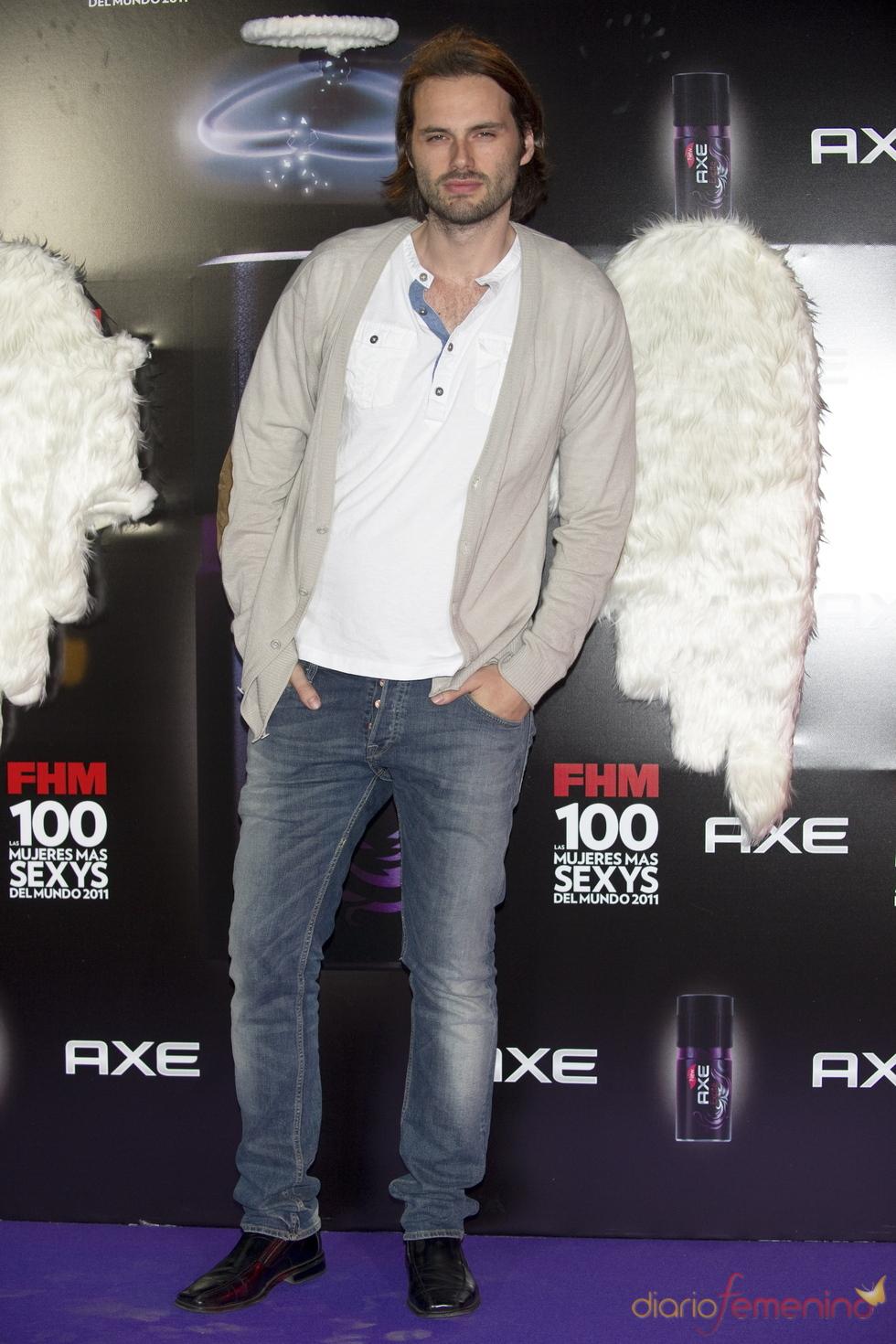 Roberto Hoyas durante los Premios FHM 'Las 100 mujeres más sexys 2011'