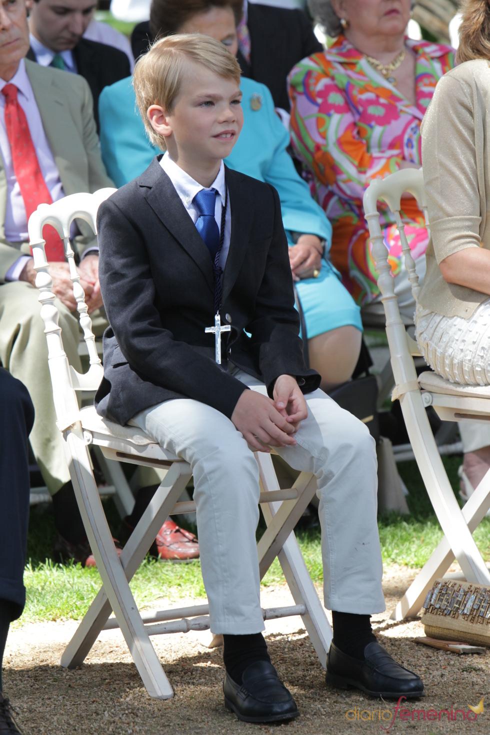Miguel Urdangarín durante su primera comunión en la Zarzuela