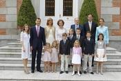 Toda la Familia Real durante la primera comunión de Miguel Urdangarín