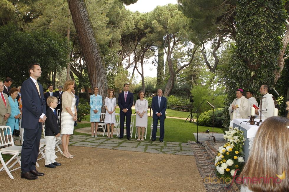 Ceremonia de la primera comunión de Miguel Urdangarín en la Zarzuela