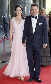 Los príncipes Frederik y Mary de Dinamarca en el cumpleaños de Máxima de Holanda