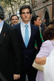 Carlos Martínez de Irujo en la boda de Carmen Solís Tello