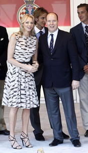 Alberto de Mónaco y Charlene Wittstock en el Gran Premio de Fórmula 1