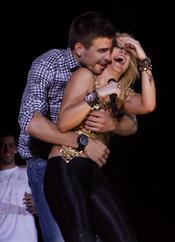 Shakira y Piqué derrochan pasión en su concierto de Barcelona