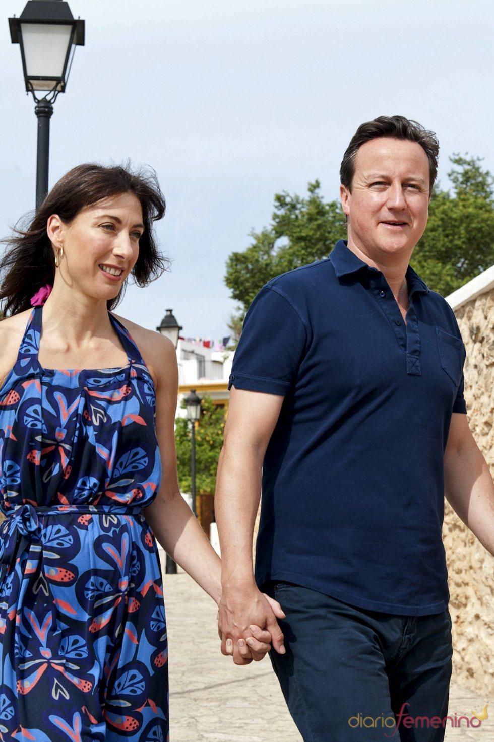 David Cameron y su mujer Samantha de paseo por Ibiza