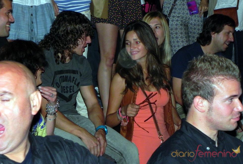 Malena Costa y Carles Puyol en el concierto de Shakira en Barcelona