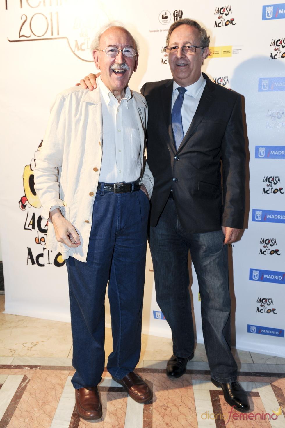 Juan Antonio Quintana y José Antonio Sayagués durante los Premios de la Fundación Casa del Actor 2011