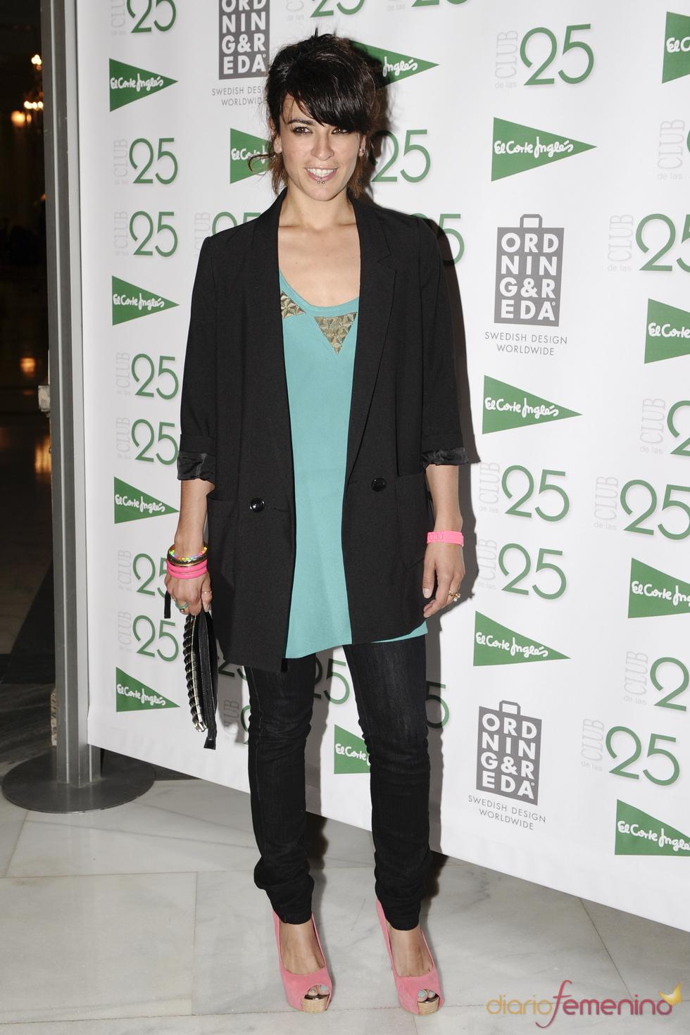 La cantante Bebe en los Premios 'Club de las 25' 2011