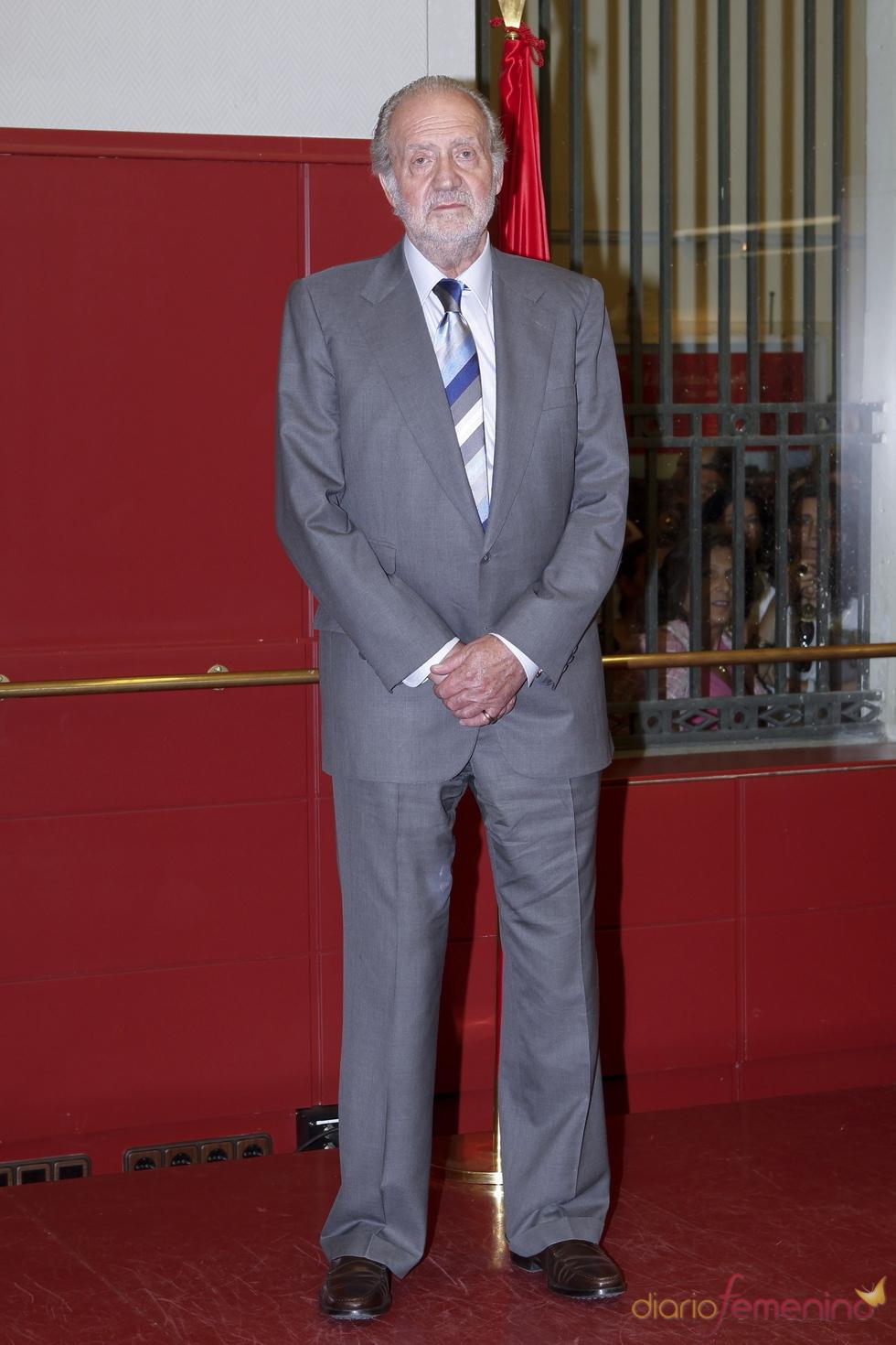 El Rey Juan Carlos será operado de la rodilla derecha